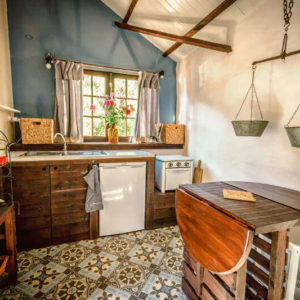 inside-tiny-house-quinta-da-fonte